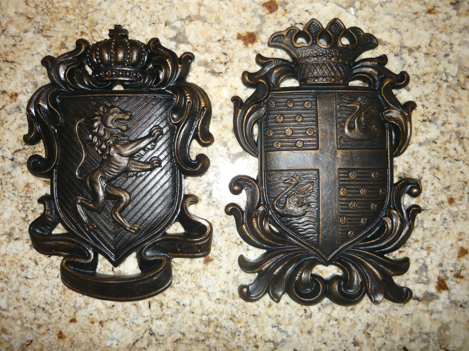 Set of 2 shield wall plaques coat of arms wall decor for Medieval decor